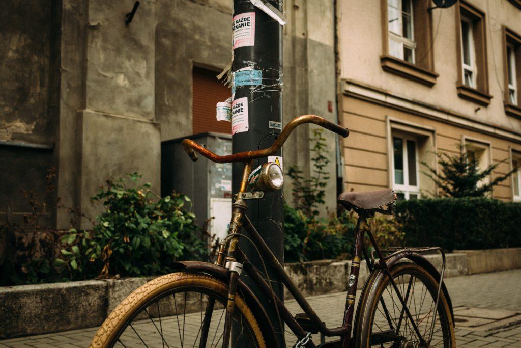Fahrradbügel statt Laternenpfähle